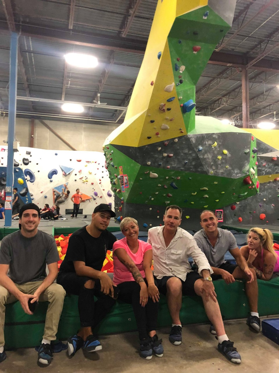 six bloggers from Toronto come bouldering at Hub climbing, raymi, Casie Stewart, Joel Levy, Steven Barnko, Martin Dasko