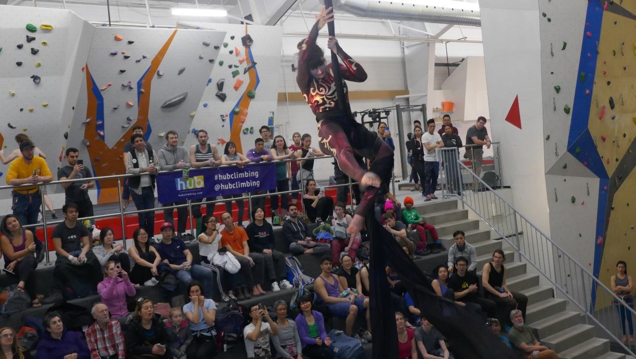 Gloria Dearling, The Circus Fix, aerial silks