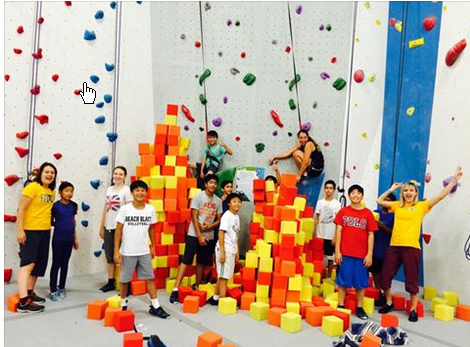 Blocs meet climbing in an unforgettable party setting